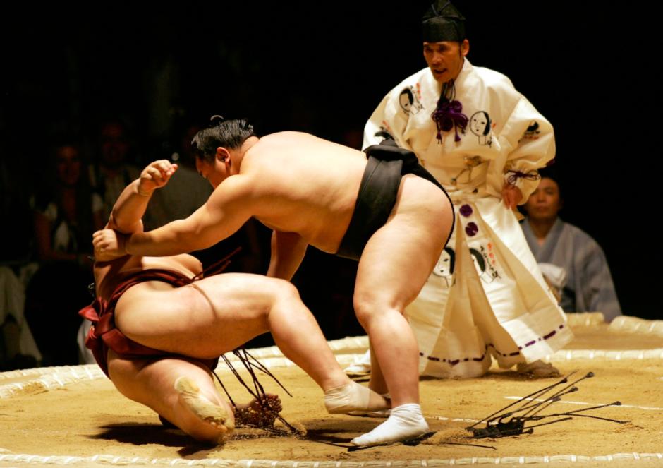 sumo_wrestlers